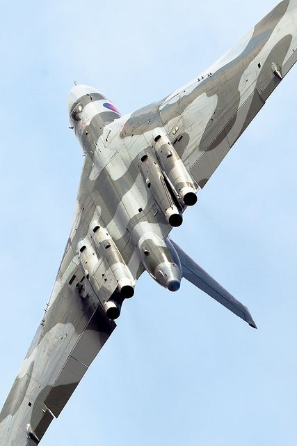 "thethunderofwar:  XH558 ""VULCAN Wingover"" by PhoenixFlyer2008 on Flickr."