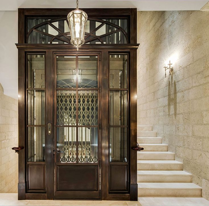 Stunning Staircase And Elevator Design Ideas: This Is A Beautiful Elevator