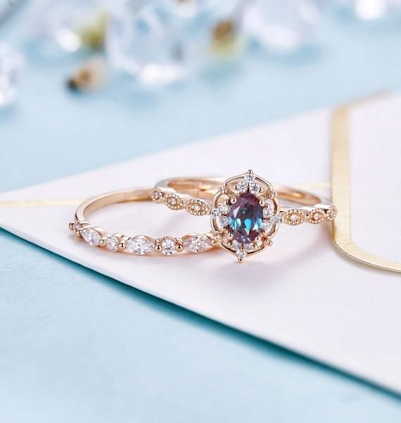 Vintage Alexandrite Engagement Ring Rose Gold Wedding Band Etsy In 2020 Alexandrite Engagement Ring Rose Engagement Ring Rose Gold Engagement Ring