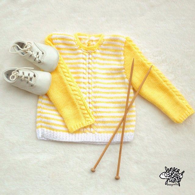 Que tendrá el amarillo que a mi me encanta y más en este mini jersey taaaan precioso ... ¡Feliz sàbado!