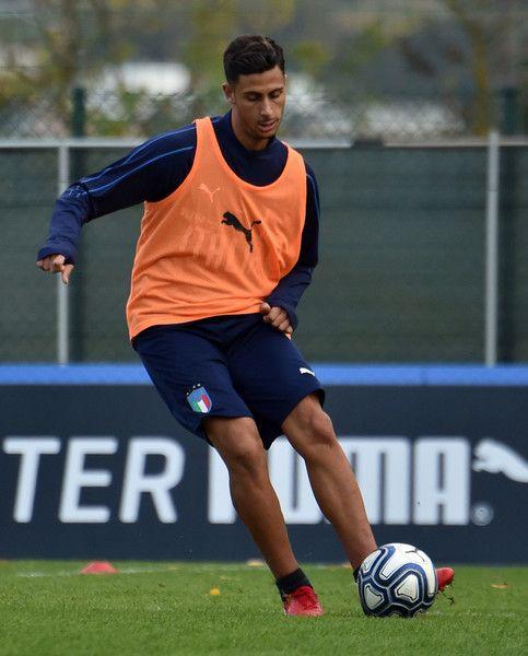 Rolando Mandragora of Italy U21 in action during Italy U21 Training Session at Pescara on November 7, 2017 in Pescara, Italy.
