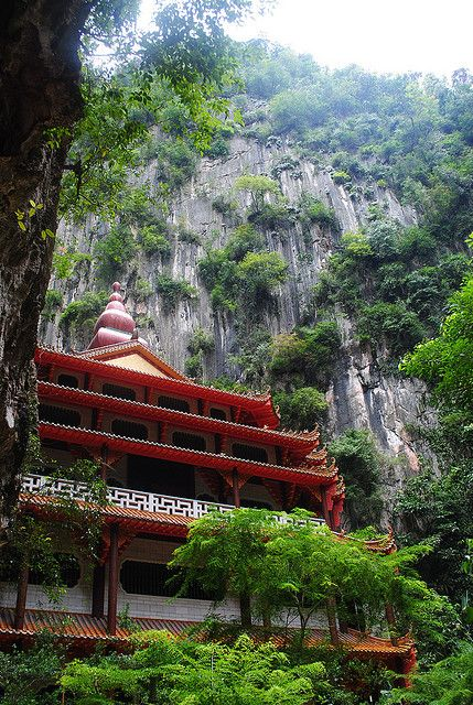 Perak Tong Cave Temple in Ipoh, Malaysia ... Beautiful and full of culture. There is a lot to learn in this country! #AirAsia #MalaysiaAus
