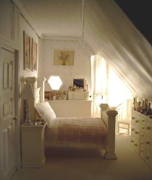 Dollhouse Number 5 - The San Franciscan - Loft bedroom