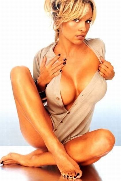 Pamela Anderson breast implants, Biography, Photo Gallery, Measurements, Hot Babes Naked