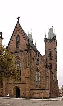 Hradec Králové Katedrála sv Ducha 2.JPG (Szentlélek Katedrális)