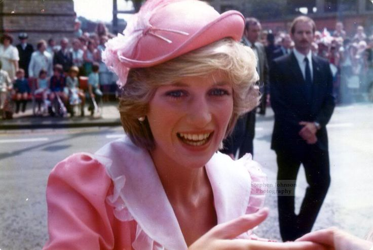 On July 26, 1983, Diana visited Grimsby, to open its new District General Hospital. She wore the coral silk outfit that she had worn when leaving on her honeymoon two years before.