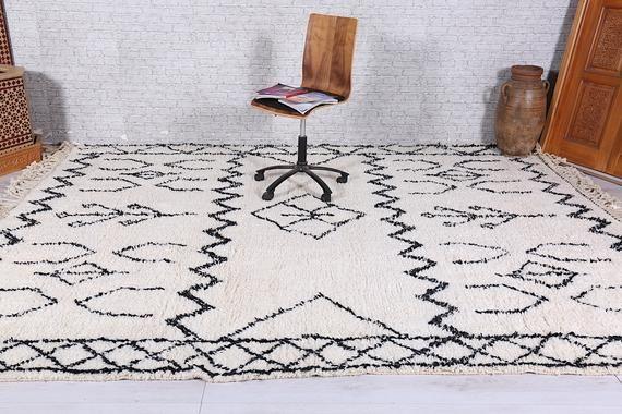 Black And White Moroccan Rug 8 4 Ft X 11 Ft Beniouraincarpet