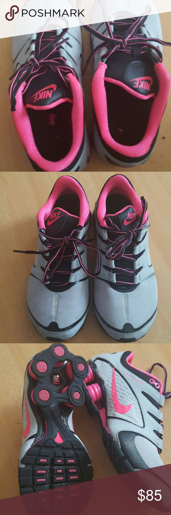 Nike shox tennis shies Pink and grey NIKE SHOX .USED SO LITTLE THAT THEY HAVE NOT EVEN CONFORMED TO MY FEET.SO YOU CAN BREAK THEM IN. Nike Shoes Athletic Shoes