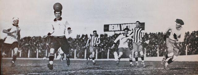 Huracán 2-0 El Porvenir. Stábile marcá el segundo gol (12 de agosto de 1928).