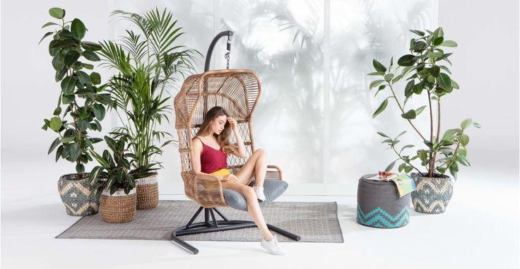 http://www.made.com/nl/lyra-hangstoel-voor-buiten-houtskoolgrijs?c=AFFINLFLI
