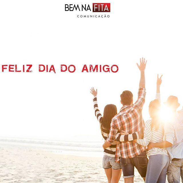 Que mesmo na correria do dia a dia a gente possa celebrar a amizade! Afinal, quem tem amigos é feliz todos os dias! Feliz dia do amigo! #felizdiadoamigo