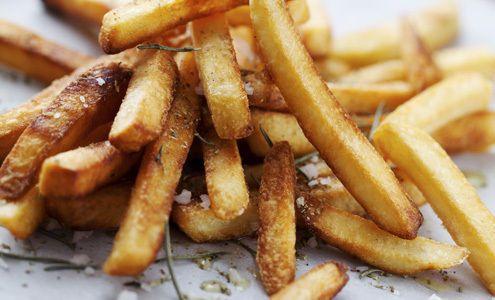 Mom orders fries, gets side of weed instead | ¿Qué Más? #MamasLatinas #Sonics #Marijuana #HappyMeal