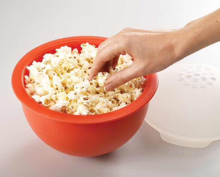 M-Cuisine™ Popcorn Maker - Christmas movie nights in!