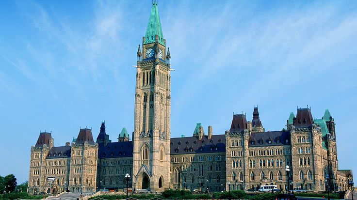 "Take a walk through Ottawa, Canada's capital, and enjoy these five ""must-see"" activities!"