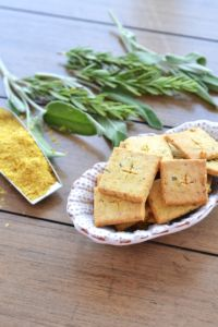 These Paleo Herb Cheese Crackers are the perfect grain free option for a flavorful and crisp snack!