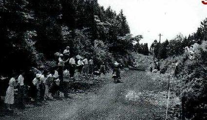 昭和ロードレースの歴史①ー名古屋TT・富士登山レース富士登山レースは、富士宮市の浅間神社前からスタートして1合目までは、土ながら地面が固く先行車も抜けるが、すぐに狭いバラス道に霧が出たりした。