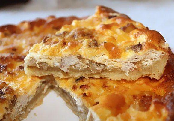 Открытый мясной пирог с картофельным тестом  Изюминка этого рецепта в наличии картофельного пюре в тесте. Хорош и горячий и холодный! Очень сочный и вкусный! Для теста: 200 гр. картофеля200гр. муки1 яйцо50гр. сливочного масласоль. Для начинки: 500гр. свинины (или фарша) 2 болгарских перца 1 помидор 2 небольшие луковицы 100 мл. жирных сливок (33-38%) 100 мл. молока 2 небольших яйца (в заливку) 2 ст.л. томатной пастысольперецнемного тертого сыра. Приготовление: Картофель мелко нарезать и…