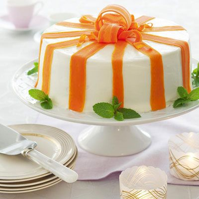 This is a beautiful way to make carrot cake.  Have to see if I can cut the carrots like this