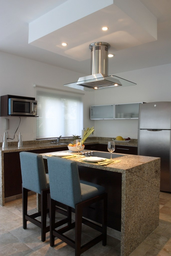 moderna cocina, con acabados minimalistas