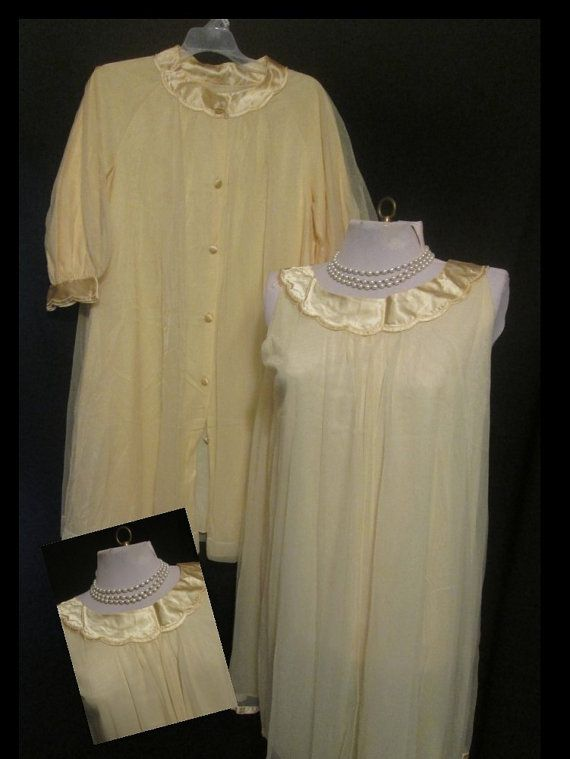 Gossard Artemis Medium / Small Nightgown Robe set Vintage