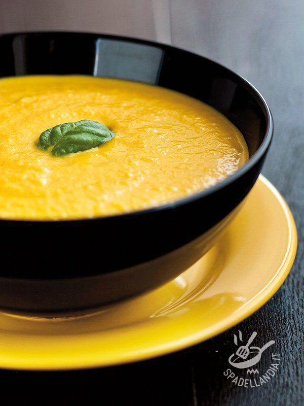 Con la Vellutata al cavolfiore e curry farete incetta di vitamine! Un tripudio di sapori veri e genuini, un sano e buonissimo comfort food.