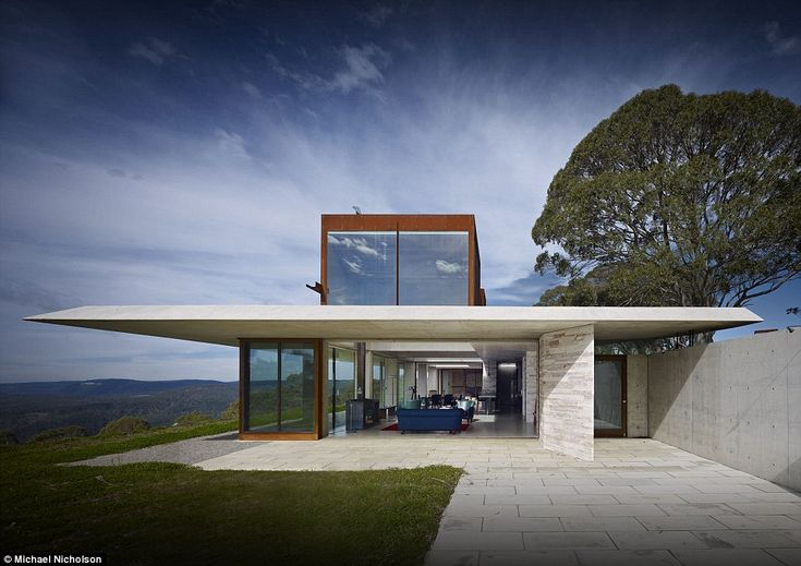 Designed by architect Peter Stutchbury, the rural retreat that is The Invisible House was awarded Australian House of the Year for 2014