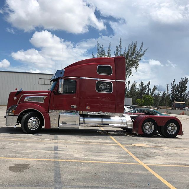 Volvo 880 Miamistar Truckparts Chrome This Truck Will Be In The Truck Show Coming Up In June 16 Saturday Fathersday 20 Volvo Trucks Trucks Truck Parts