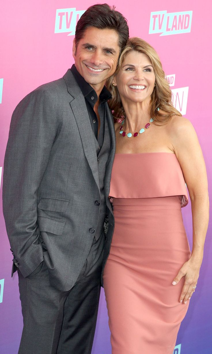 John Stamos and Lori Loughlin Walk the Red Carpet Together, Make All of Your Full House Dreams Come True