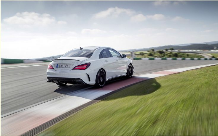 If there is a car that did not receive a warm welcome when introduced, it is the CLA-Class, the range of entry level sedan from Mercedes-Benz. It blamed the vehicle not contain the same DNA as the other models of the brand and the manufacturer, betraying its origins in marketing a product that is not the height of its prestige.   #auto #autoes #car #cars guide #Mercedes-Benz CLA 201: for its price or its qualities? #Test #The Car Guide Tests and Features #the cars #vehicle