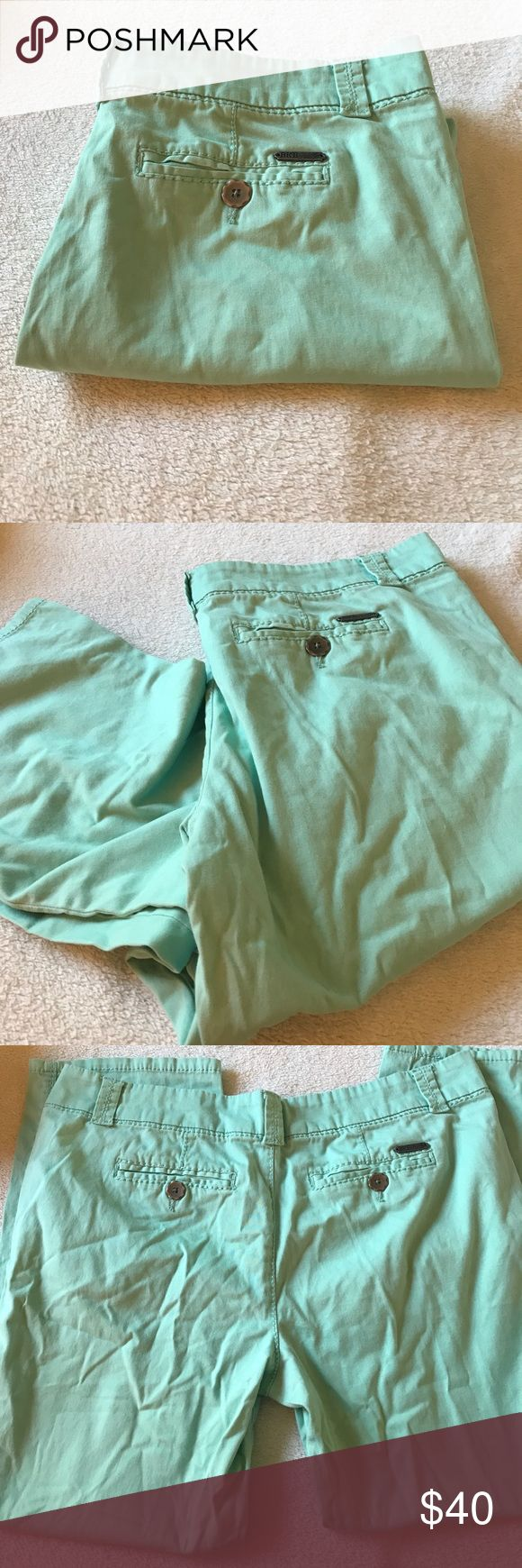 Buckle Bke Bryn size 31 mint Capris Buckle Bke Bryn size 31 mint Capris.   Waist measures 17.5 across.  Rise is 10 inches. 98% cotton 2% spandex.   Inseam is 25.5 inches Buckle Pants Capris