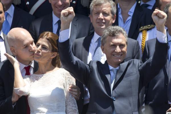 Juliana Awada, mujer de Mauricio Macri, se roba las miradas - Yahoo Noticias
