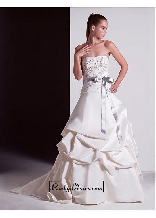 Beautiful Elegant Exquisite A-line Satin Wedding Dress In Great Handwork