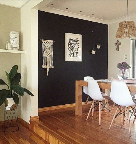 Dining chairs, pot stand