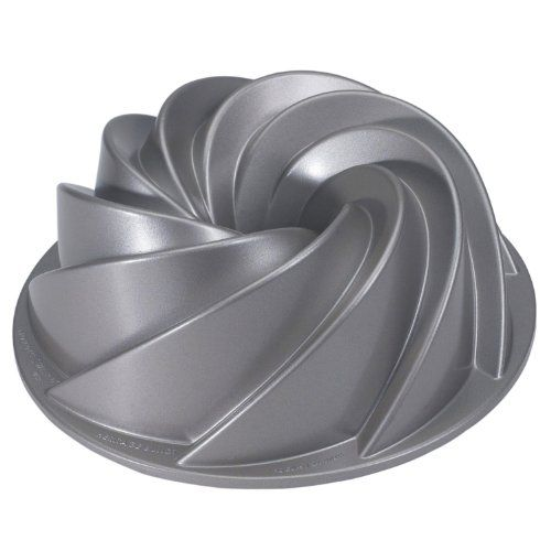 Nordic Ware Platinum Collection Heritage Bundt Pan--Pretty much the coolest Bundt Pan I've seen!