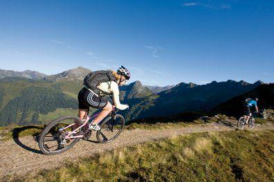 Na kole do hor