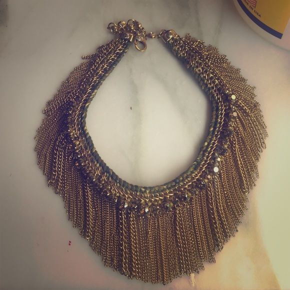 Henri Bendel fringe necklace Fringe necklace from Henri Bendel. Never worn out. If consistent with their other jewelry, this is probably gold plated. henri bendel Jewelry Necklaces