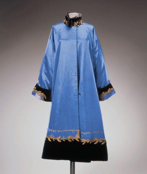 1912 Paul Poiret fur-trimmed evening coat of blue silk. SM145.