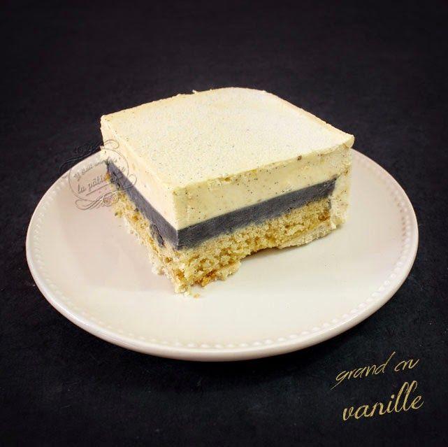 GRAND CRU VANILLE de P. Conticini - 4 couches qui se complètent et s'accordent juste parfaitement : 1 croustillant duja vanille, 1 biscuit moelleux à la vanille, 1 crémeux vanille noir et 1 mousse chocolat blanc vanille anglaise, le tout recouvert de spray velours blanc.