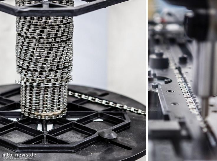 Kettenabläng-Maschine - durch dieses Gerät kann im Endeffekt Geld eingespart werden, denn eine dicke Kettenrolle ist natürlich billiger.