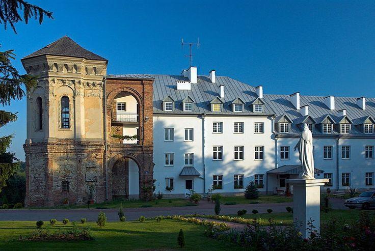 Pałac w Dąbrowicy
