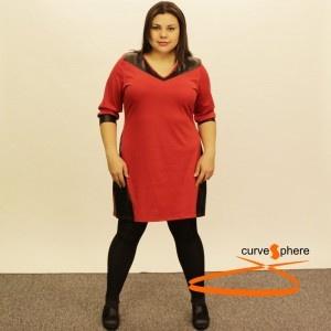 Vestido rojo de manga larga con polipiel haciendo efectos ópticos alargan y estilizan la figura. Vestido tallas grandes.