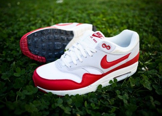 Nike Air Max OG Vintage Pack. Classic street style