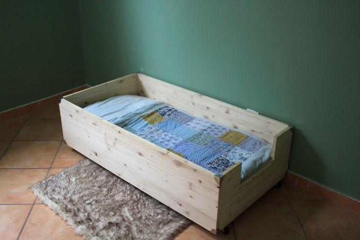 Les 25 meilleures id es de la cat gorie lit montessori sur - Fabriquer lit montessori ...