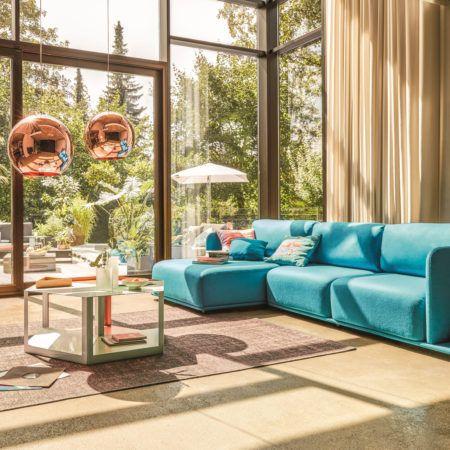 Modułowa sofa Molis to rewelacyjny projekt Pascala Bosettiego. Moduły sofy możemy dodawać według indywidualnych potrzeb. Dzięki czemu możemy stworzyć swoją własną, niepowtarzalna konfiguracje.