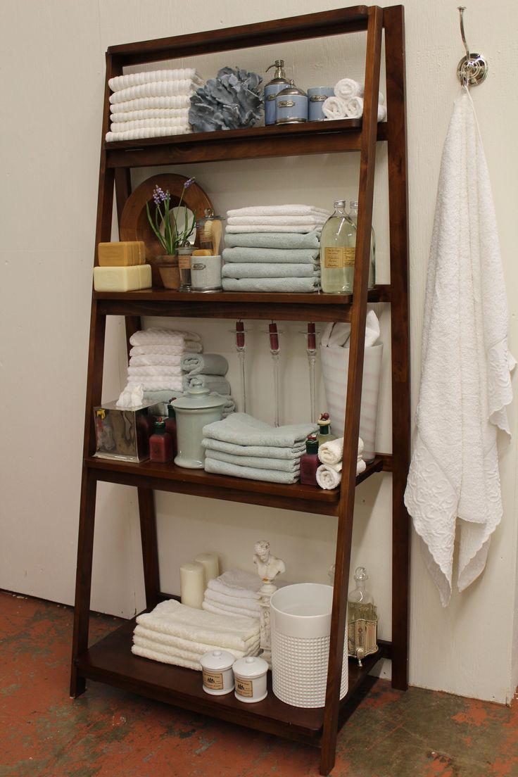 Small Bathroom Ladder Shelf: Ladder Shelf In The Bathroom