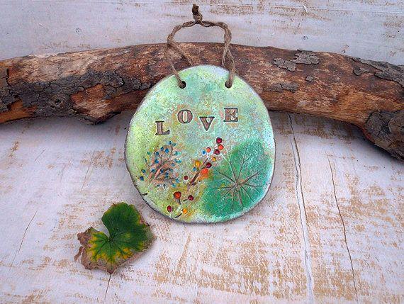 Botanische liefde Plaque liefde muur opknoping, keramische liefde teken Wall Decor, handgemaakt aardewerk Plaque Tile met ingedrukte droge bloemen wand tegel.