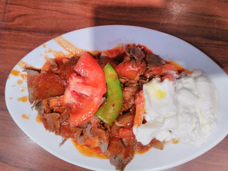 İskender kebab  İskender kebap(Alexander Kebab) is one of the most famousmeatfoods of northwesternTurkeyand takes its name from its inventor, İskender Efendi, who lived inBursain the late 19th  İskender kebab  İskender kebap(Alexander Kebab) is one of the most famousmeatfoods of northwesternTurkeyand takes its name from its inventor, İskender Efendi, who lived inBursain the late 19th