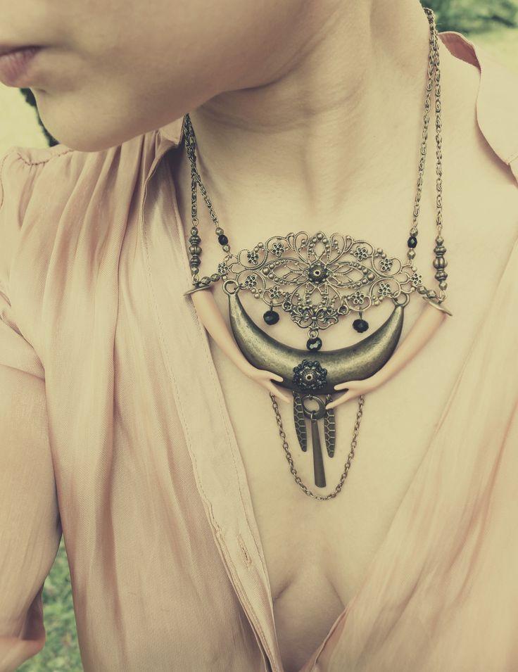 """Collier bras de Barbie """"Sous la Lune"""" : Collier par jennifleur"""