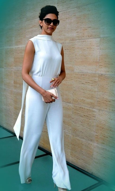 Deepika-Padukone-in-white-dress.jpg 486×805 pixels