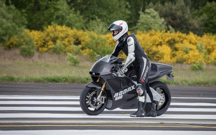 Ronax 500 two-stroke superbike. http://motorbikewriter.com/two-stroke-road-legal-superbike/